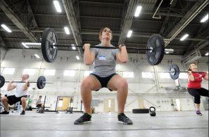 Quelles parties du corps font travailler les squats