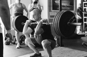 Quelle quantité de protéine par jour lorsqu'on pratique la musculation de manière régulière ?
